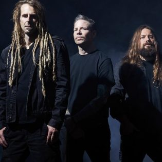 Lamb Of Godin jäsenet kertovat, millaista on työskennellä uuden rumpalin kanssa