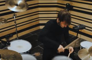 """Näin niitä rumpuja soitetaan: Leprous julkaisi virtuoosi Baard Kolstadin soittovideon kappaleesta """"The Sky Is Red"""""""