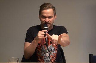 """Tyrantti-yhtyeen Nahka-Sami KaaosTV:lle: """"Basson soittaminen, hyppypotkujen tekeminen ja falsetissa kiljuminen on parasta, mitä voi tehdä tiukat housut jalassa"""""""