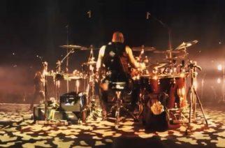 """Kurkistus rumpupallin taakse: Amorphis-rumpali Jan Rechberger julkaisi soittovideon """"Heart Of The Giant"""" -kappaleesta yhtyeen Helsingin-keikalta"""