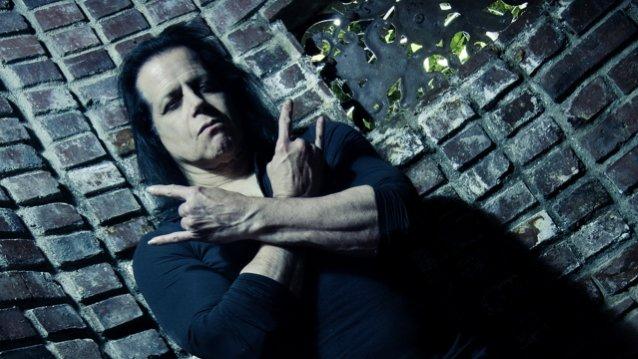 """Glenn Danzig julkaisi uuden trailerin tulevasta """"Death Rider in the House of Vampires"""" -elokuvastaan"""