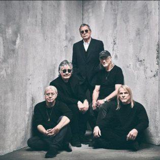 """Osallistu kilpailuun ja voita Deep Purplen """"Whoosh!""""-albumin T-paita!"""