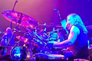 """Exodus-rumpali Tom Hunting tositoimissa: katso rumpuvideo """"Deathamphetamine""""-kappaleen esityksestä Puolasta"""