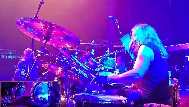 """Katso videolta, kun The Boneless Ones yhdessä Exoduksen, Forbiddenin, Hiraxin ja Machine Headin jäsenten kanssa esittää coverversion Exoduksen kappaleesta """"A Lesson In Violence"""""""