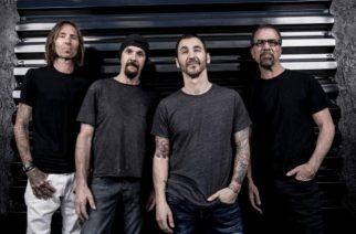 """Godsmack pohtii musiikin tarkoitusta tulevalla videollaan – Katso maistiainen """"Unforgettable""""-kappaleen uudesta versioinnista"""