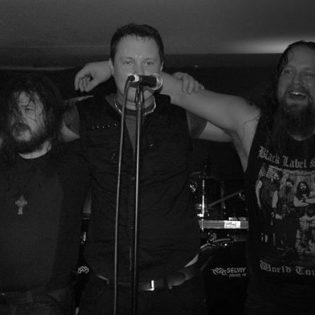 Stoneria sunnuntaihin – Stone Mammothin debyyttilevy on nyt julkaistu