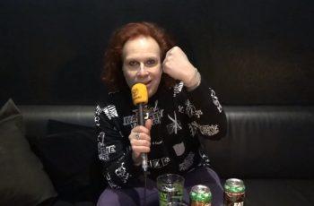 """KaaosTV tapasi tänään uuden """"Global Rock"""" -albuminsa julkaisseen Waltarin Kärtsy Hatakan: """"Rock on kuin suuri seikkailu, joka vie milloin mihinkin suuntaan"""""""