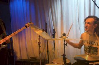 Pojasta polvi paranee? Metallica-rumpali Lars Ulrichin pojat julkaisivat Beatles-coverin