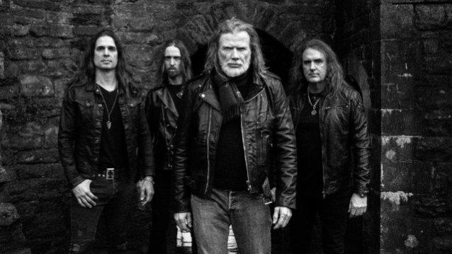 Megadeth aikoo nauhoittaa David Ellefsonin bassoraidat uusiksi tulevalle albumilleen
