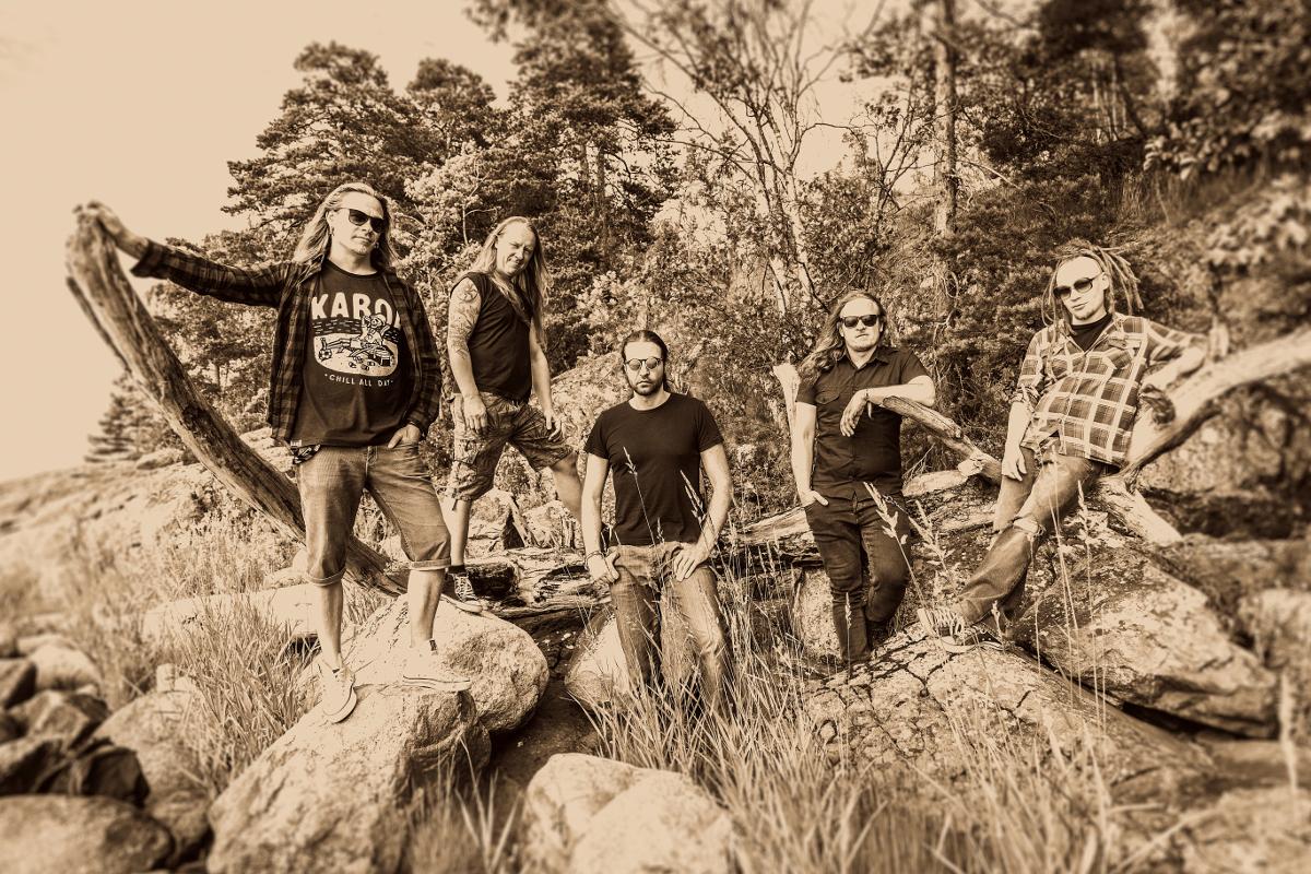 """Maailman mahtavin black grunge -yhtye on täällä: kuuntele tekijämiehistä koostuvan Rootbrainin uusi kappale """"Lion Tamer"""""""