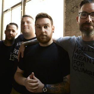 Huhut rasistisesta käytöksestä olivat liikaa: The Ghost Inside erotti basistinsa vuonna 2015 tapahtuneen selkkauksen seurauksena