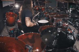 "Näin irtoaa kiertuerumpalilta Dragonforcen kappale ""Through The Fire And Flames"": Aquiles Priester julkaisi playthrough-videon"