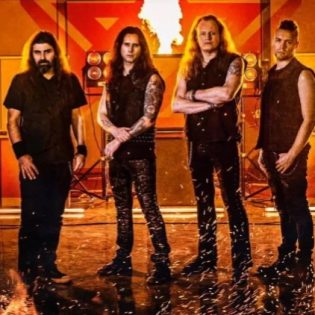"Kreikkalaiselta power metal -yhtyeeltä Firewindilta video ""Welcome To The Empire"" -kappaleesta"