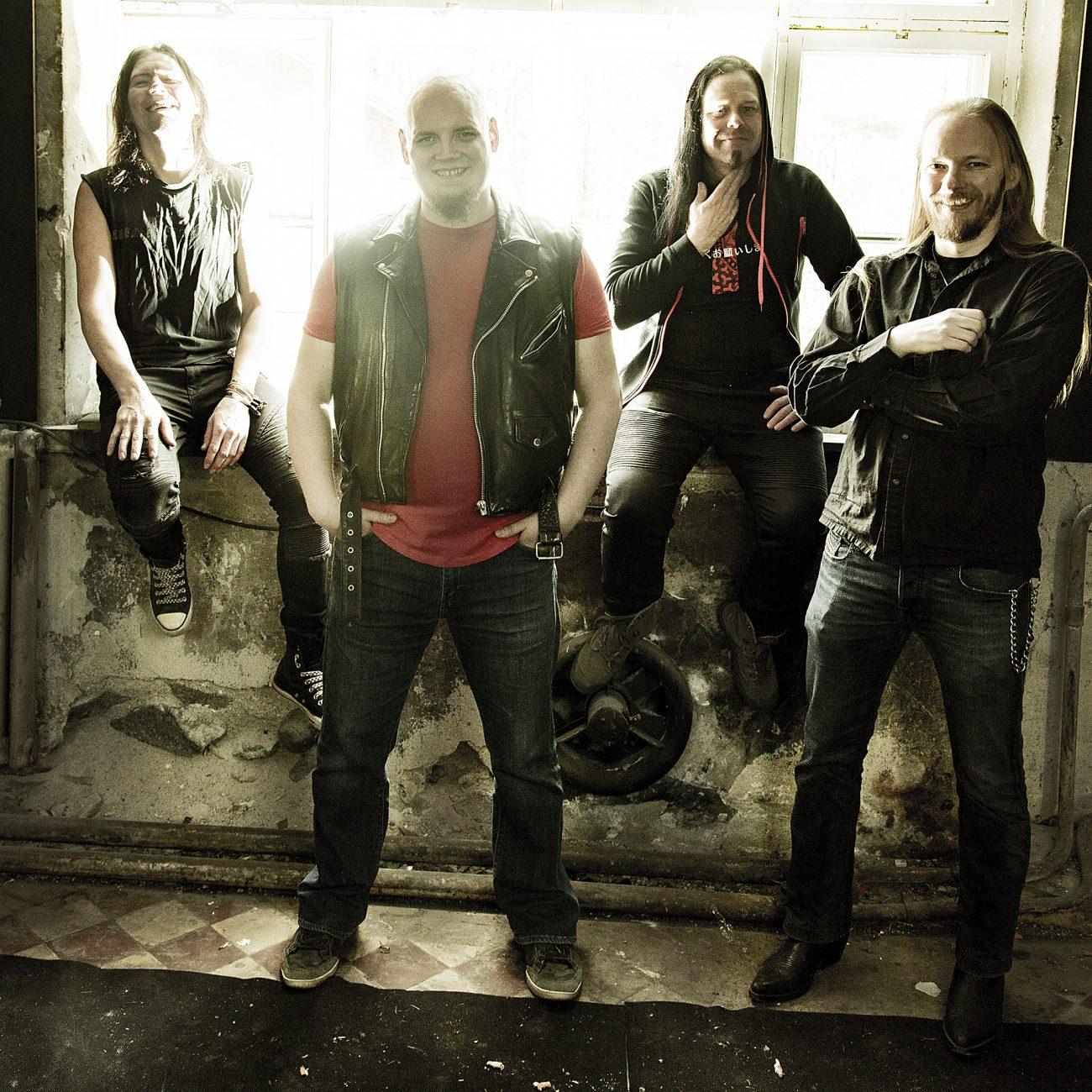 Metalli Inc.:n uudella kappaleella kuullaan Sara Strömmeriä