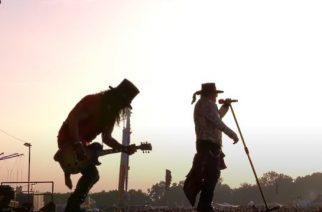Slash paljastaa tuoreessa haastattelussa Guns N´ Rosesin aikovan hyvin todennäköisesti julkaista uutta musiikkia ensi vuonna