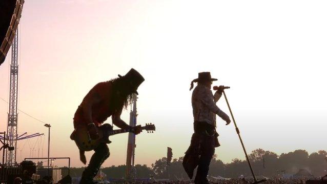 Guns N'Roses julkaisi livevideon vuoden 2016 Etelä-Amerikan kiertueestaan