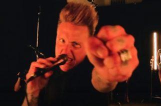 """Papa Roach esitti """"Infest""""-albuminsa kokonaisuudessaan striimikeikalla: Video kappaleesta """"Between Angels & Insects"""" katsottavissa"""