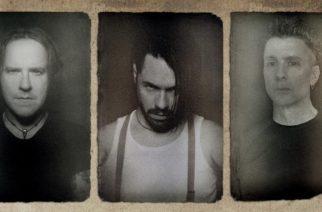 """Fear Factory -solisti Burton C. Bellin johtama Ascension Of The Watchers julkaisee uuden """"Apocrypha""""-albumin lokakuussa: video """"Ghost Heart"""" -kappaleesta katsottavissa"""