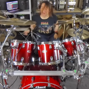 "Entinen W.A.S.P-rumpali Mike Dupke julkaisi soittovideon kappaleesta ""The Real Me"""