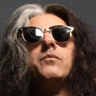 """Testamentin kitaristi jatkaa omaa rap-uraansa: uusi kappale """"Wear a F**king Mask"""" kuunneltavissa"""
