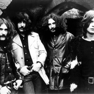 Tony Iommi paljastaa, että Black Sabbathissa oli aluksi melkein mukana myös saksofonisti ja slide-kitaristi
