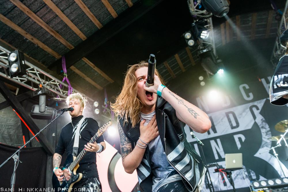 Blind Channel villitsi tulimeren kera yleisön Vaasa Festivalissa: katso videoita yhtyeen keikalta