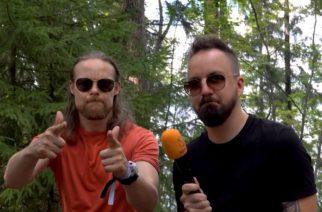 """KaaosTV tapasi Bloodred Hourglassin SaariHelvetti-festivaalin yhteydessä: """"Tarkoituksena olisi suunnistaa syyskuussa studioon nauhoittamaan tulevaa albumia"""""""