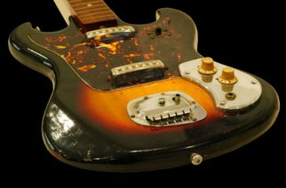 Kitarajumala Jimi Hendrixin 60-luvulla käyttämä kitara myytiin huutokaupassa 216 000 dollarin hintaan