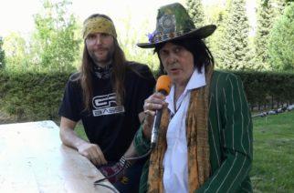 """KaaosTV tapasi rocklegenda Andy McCoyn Rock In The City -festivaalissa: """"Olen kirjoittanut uutta musiikkia ja maalannut tauluja tämän kesän"""""""