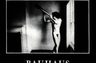 """""""Goottirockin hyytävä ensipuhallus"""" – Klassikkoarvostelussa Bauhausin 40-vuotias debyyttialbumi """"In the Flat Field"""""""