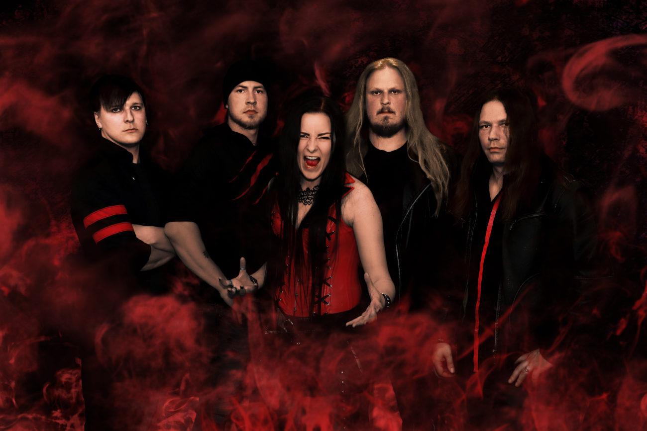 Crimson Day etsii rumpalia riveihinsä