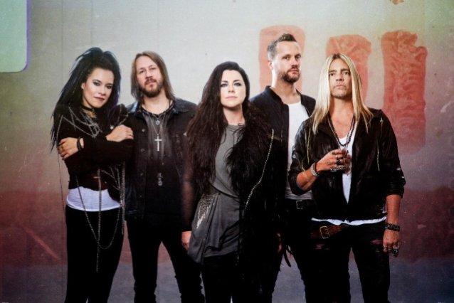 """Evanescence julkaisi uuden """"Yeah Right"""" -kappaleen tulevalta levyltään"""