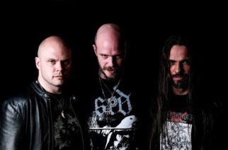 Ruotsin Shiningin leirissä kuohuu: yhtye syyttää bändin paitoja myynyttä ja valmistanutta tahoa kymmenien tuhansien eurojen menetyksestä sekä Niklas Kvarforthin vakavasta sairaudesta