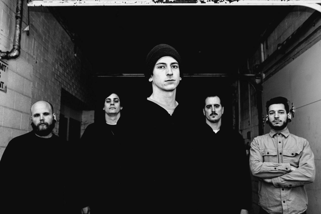 """Grungea metallisella otteella: 156/Silencen tulkinta Alice In Chainsin vuoden 1992 hitistä """"Them Bones"""" kuunneltavissa"""