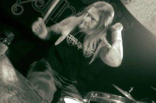 Entinen Amon Amarth -rumpali syyttää edelleen entistä yhtyettään epäasiallisesta kohtelusta