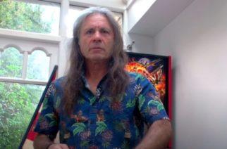 """Iron Maidenin Bruce Dickinson lähettää videoterveisiä faneille: """"Olemme työskennelleet hieman studiossa uuden musiikin parissa"""""""
