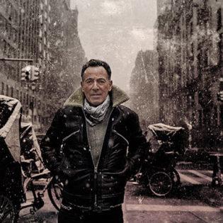 """Bruce Springsteenin uusi albumi """"Letter to You"""" julkaistaan tänään:  albumi on Springsteenin ensimmäinen legendaarisen E Street Bandin kanssa kahdeksaan vuoteen"""