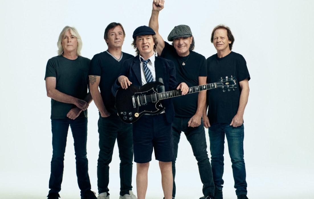 """Angus Young – """"AC/DC istui """"Power Upin"""" päällä yli kaksi vuotta"""""""