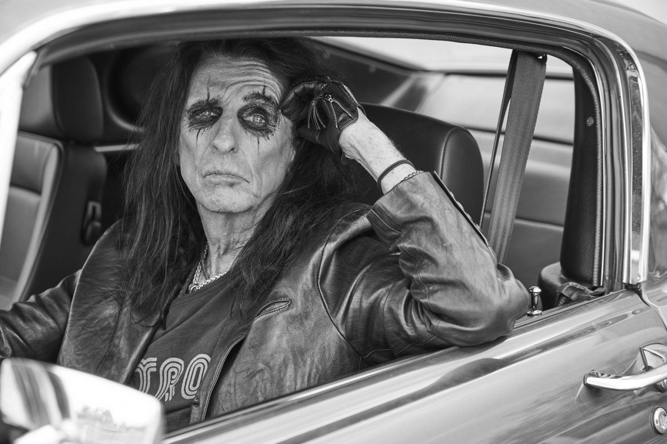 """Kauhurokkari Alice Cooperin tulkinta """"Rock & Roll"""" -kappaleesta kuunneltavissa: uusi albumi """"Detroit Stories"""" luvassa helmikuussa"""