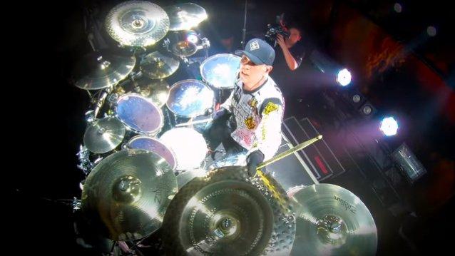 """Machine Headin rumpali Chris Kontos julkaisi rumpuvideon """"Death Church"""" -kappaleen esityksestä Montrealista helmikuulta"""