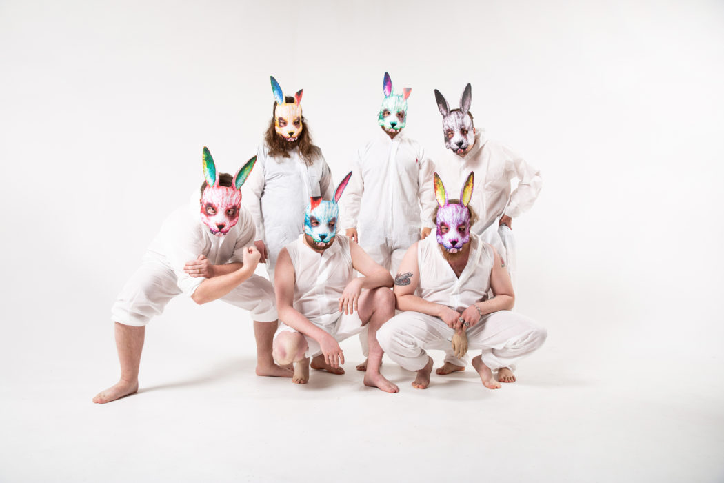 """Fat Rabbits ottaa uudella """"Rahaa""""-singlellään kantaa rikkaiden ja köyhien vallanjakoon"""