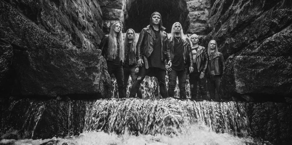 """Psychework tekee paluun parrasvaloihin huhtikuussa ilmestyvällä EP:llä: ensimmäinen single """"Enemy Inside The Wire"""" Kaaoszinen ensisoitossa"""