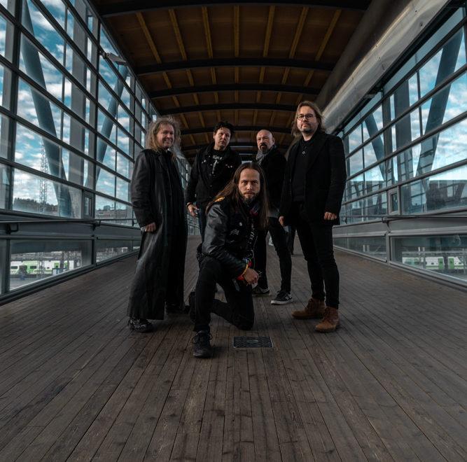 Arched Fire julkaisi videosinglen – albumi tuloillaan