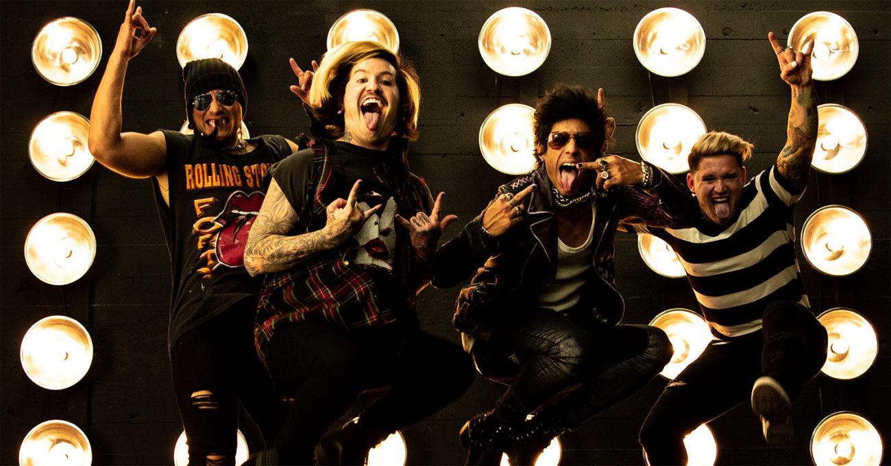 """Escape The Faten yhteistyö Blink-182:n Travis Barkerin kanssa kuunneltavissa uudella """"Not My Problem"""" -kappaleella"""