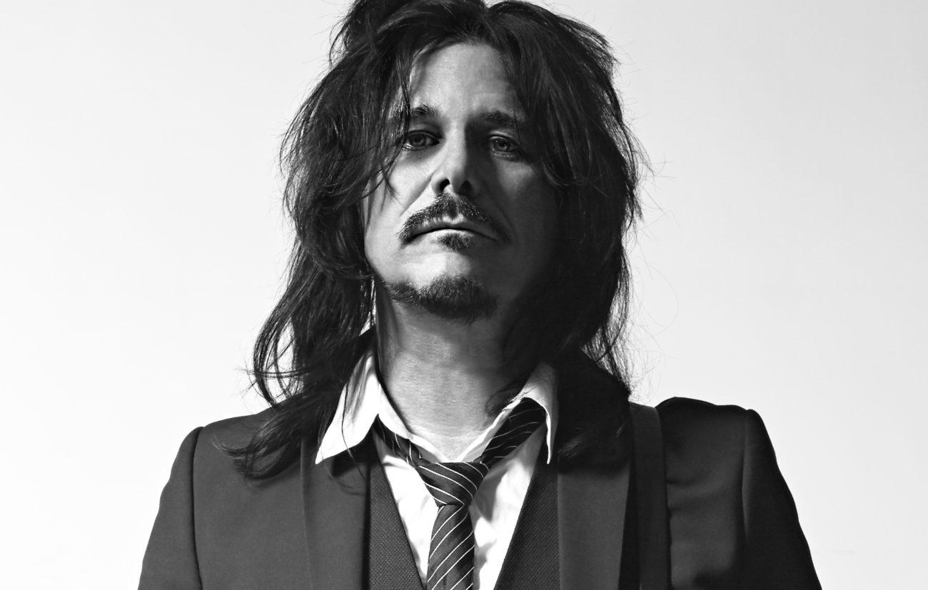 """Gilby Clarke avaa pudottamistaan Guns N' Rosesin """"Not In This Lifetime"""" -kiertueelta"""