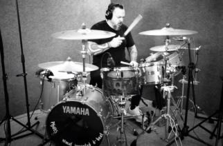 """Igor Cavalera näyttää miten Sepulturan """"Kamaitachi""""-kappaletta oikein kannutetaan"""