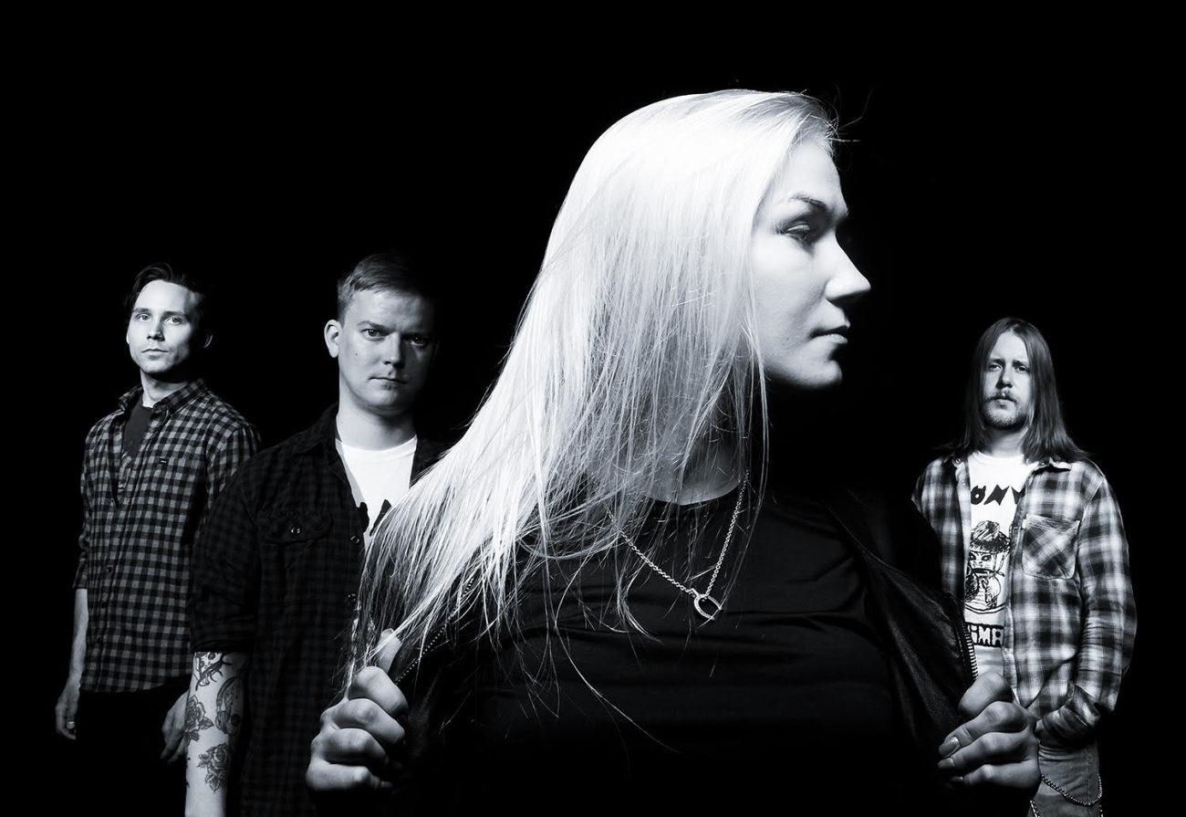 """Helsinkiläinen melodista hard rockia soittava Jo Below julkaisi uuden singlen """"I Confess"""""""