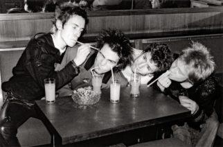 Sex Pistolsin jäsenet kommentoivat Johnny Rottenin oikeushaastetta