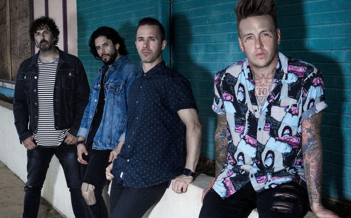 """Papa Roach julkaisi uuden musiikkivideon """"Broken As Me"""" -kappaleestaan, jolla vierailee Asking Alexandrian Danny Worsnop"""