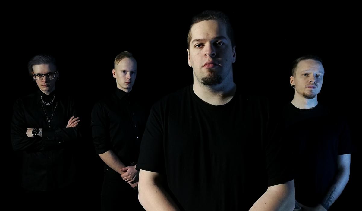 """Roju tarjoilee modernia metallia KaaosZinen ensisoitossa tuoreella singlellä """"Play Dead"""""""